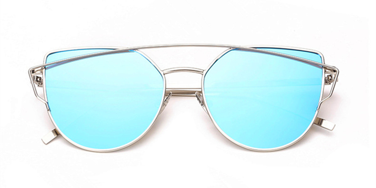 Glasses for Oblong face Female with Aviator Frames closed